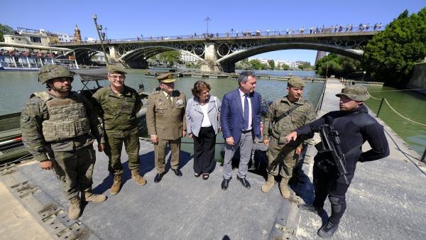 Sevilla.- Espadas celebra la 'enorme respuesta' ciudadana a los actos del Día de las Fuerzas Armadas