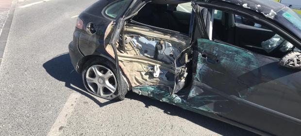 Cádiz.- Sucesos.- Bomberos rescatan a un menor atrapado en un accidente de tráfico en Chiclana