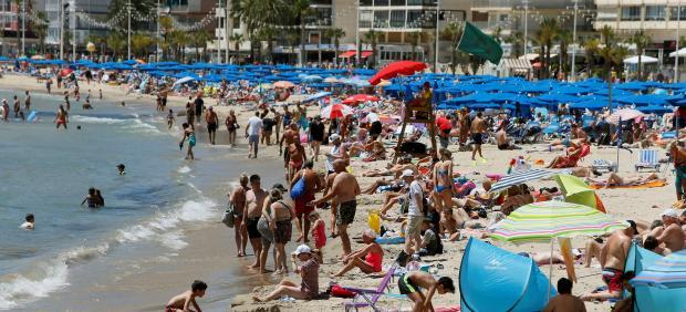 Turistas, calor, temperaturas