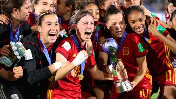 Las chicas de la sub-17, campeonas