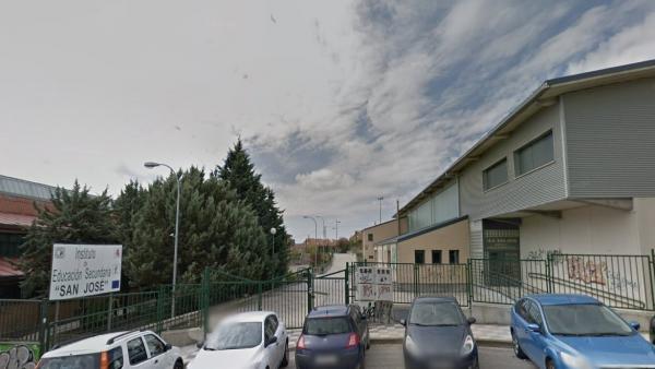 Sucesos.- Herido un trabajador en Cuenca tras caer del tejado del IES San José cuando hacía labores de mantenimiento