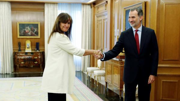 Laura Borrás, de JxCat, en Zarzuela con el rey Felipe VI