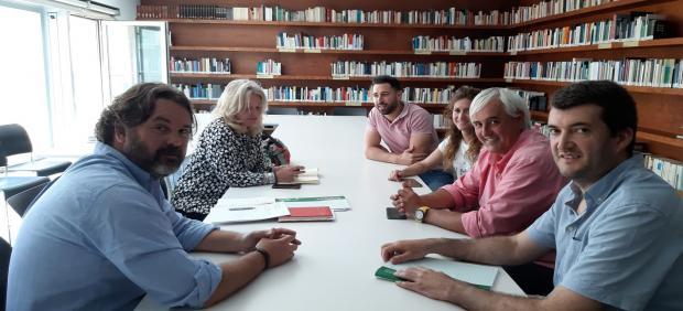 Cádiz.- Junta se compromete a 'buscar soluciones' a las demandas de vecinos de Bolonia y empresarios