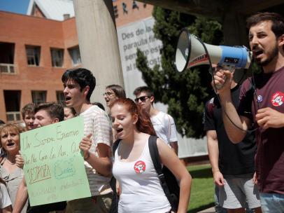 Protestas de estudiantes en Valencia contra la EBAU