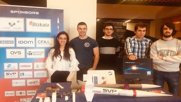 Estudiantes de Ingeniería de Bilbao lanzarán este sábado su segundo cohete desde el aeródromo de Dima