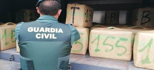 VÍDEO: Cádiz.-Sucesos.- Diez detenidos y más de 4.000 kilos de hachís incautados tras abortar tres alijos en la Janda
