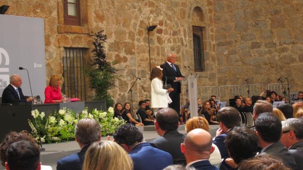 Diego Urdiales recibe el Galardón de las Artes Riojanas 'con tremendo orgullo por mi tierra y por mis paisanos'