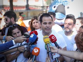 Intervención ante los medios de comunicación del líder de Ciudadanos en la Comunidad de Madrid, Ignacio Aguado, tras la 6ª carrera contra la violencia de género