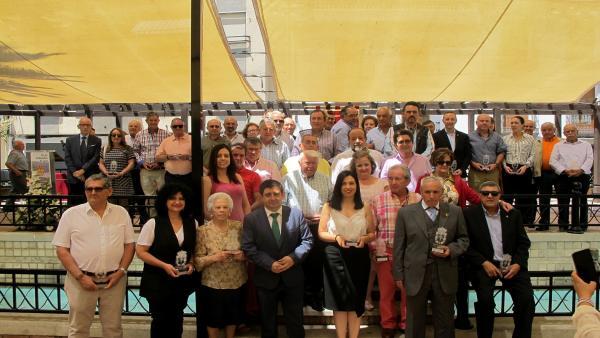 Jaén.- MásJaén.- Valdepeñas homenajea a alcaldes y concejales en los 40 años de ayuntamientos democráticos