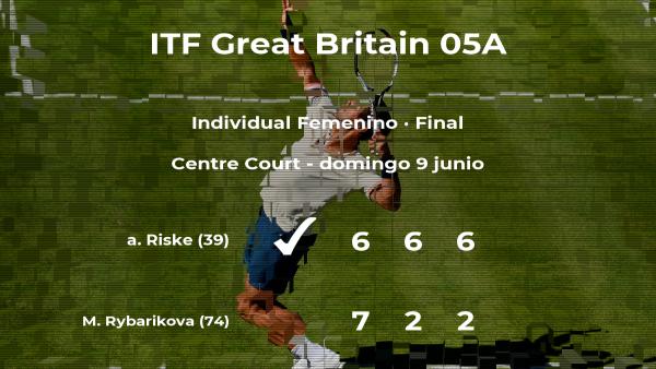 Final del torneo de Surbiton: la tenista alison Riske derrota a Magdalena Rybarikova