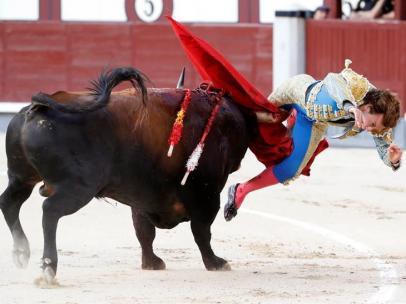 Cogida de Román en Las Ventas