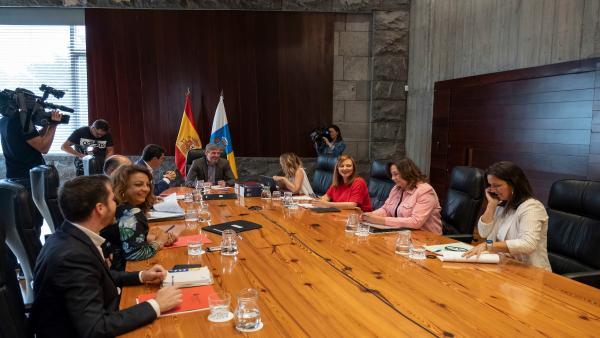 Consejo.- Canarias aprueba una nueva etiqueca que ayudará a diferenciar el tabaco legal del ilícito