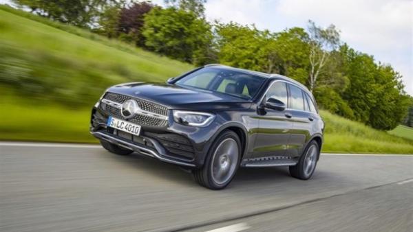 Estética renovada y apuesta por la tecnología: así son los nuevos coches de Mercedes