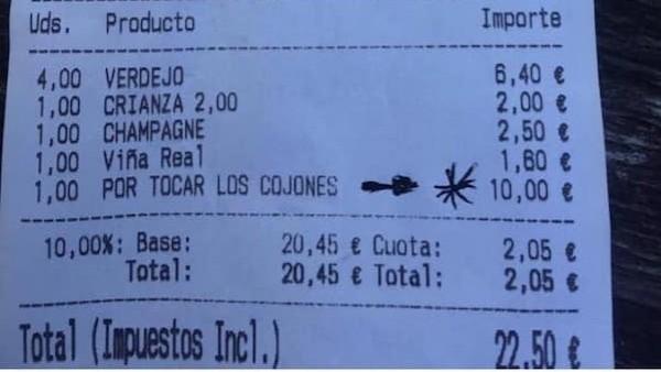 """Ticket en el que le cobran a un cliente diez euros """"por tocar los cojones"""""""
