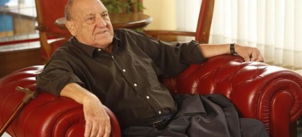 La revista cultural 'Turia' rinde homenaje al escritor Javier Tomeo