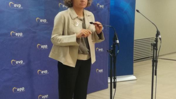 Montserrat (PP) dice que Sánchez no puede pedir a su partido lo que 'ha ninguneado durante un año'