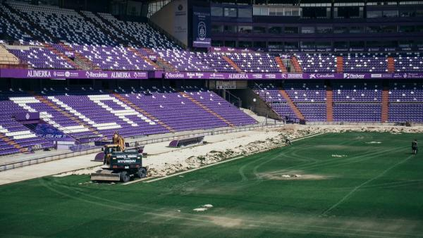 El Real Valladolid se personará en el caso Oikos y abre una investigación a los convocados contra el Valencia