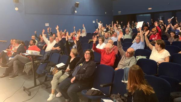 VTLP somete a consulta este jueves y viernes si apoyar a Puente, presentar a Saravia o votar en blanco en la investidura