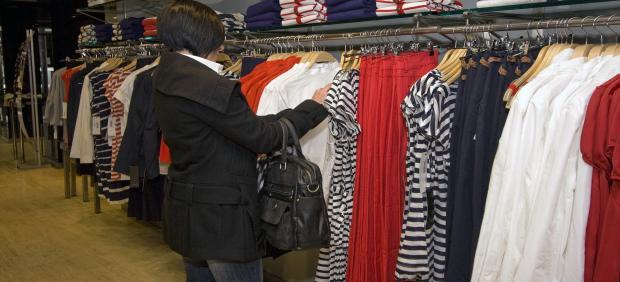 UGT ve 'egoísta' la propuesta económica de las patronales en la negociación del convenio de comercio