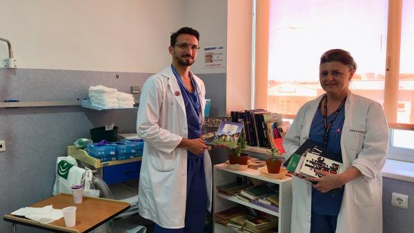 Málaga.-Hospitales Virgen de la Victoria y Valle del Guadalhorce fomentan la lectura desde sus servicios de Urgencias