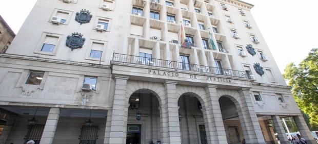 Sevilla.- Tribunales.- Acusados de tráfico de drogas aceptan casi dos años de cárcel y una multa de 40.000 euros
