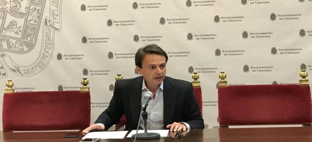 Granada.- El PP ve en Cuenca (PSOE) un 'alcalde desesperado' e 'incapaz de aceptar su marcha'