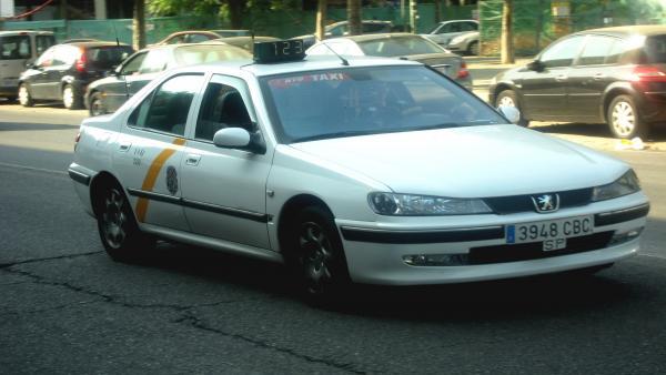 Sevilla.- Tribunales.-El TSJA avala el fallo contrario al límite municipal de 15 años para el uso de un coche como taxi