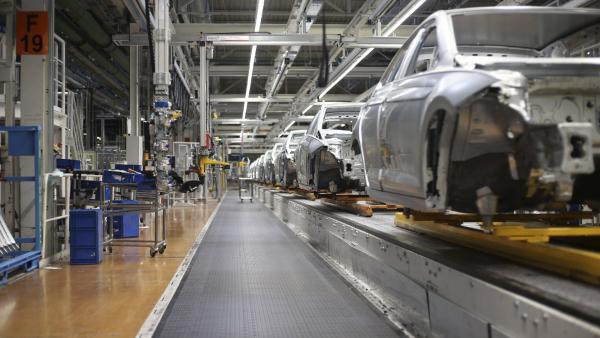 Calendario Laboral Navarra.Volkswagen Navarra Aumenta Su Calendario Laboral En Cuatro Dias Y