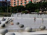 Las fuentes del parque Antoni Santiburcio de Sant Andreu, que ocupan parte del solar de los antiguos cuarteles de artillería.