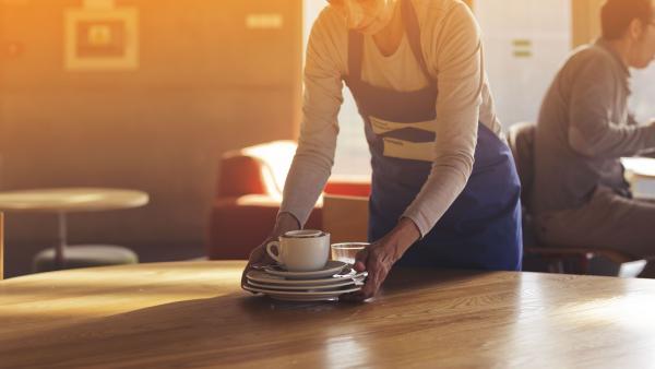 El 23% de las mujeres trabaja a tiempo parcial en España, casi cuatro veces más que los hombres.