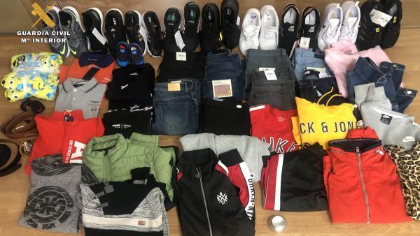Detnidos dos hermanos por robar más de 1.800 euros en ropa en 11 comercios de Logroño