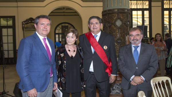 Sevilla.-Más de 400 juristas rinden homenaje a José Joaquín Gallardo por sus 24 años como decano del Colegio de Abogados