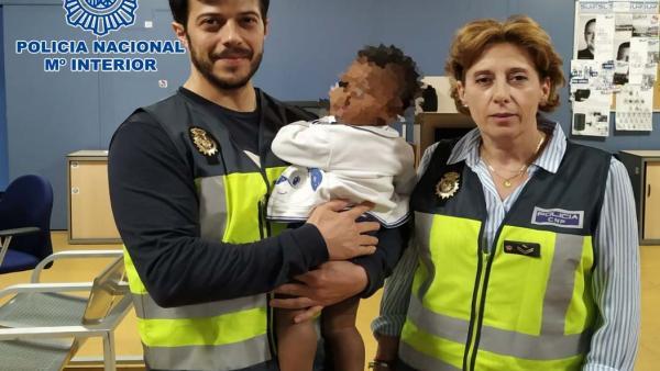 Almería.- Sucesos.- Reagrupan con su abuela en Rumanía a un bebé, que se encontraba en situación de desamparo