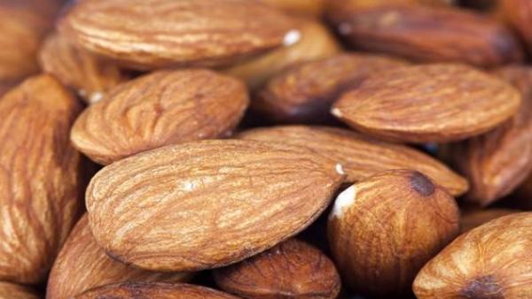 Descifran el genoma completo de la almendra, lo que podría contribuir a evitar la producción de almendras amargas