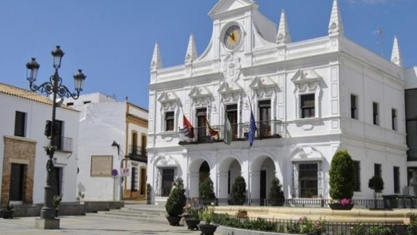 Huelva.- PSOE de Cartaya afea al alcalde convocar el pleno de presupuestos 'de manera apresurada a cuatro días del 26M'