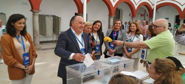 Cádiz.-26M.- Cs y PP llegan a un acuerdo de gobierno para Algeciras con concejalías para los dos ediles de Cs