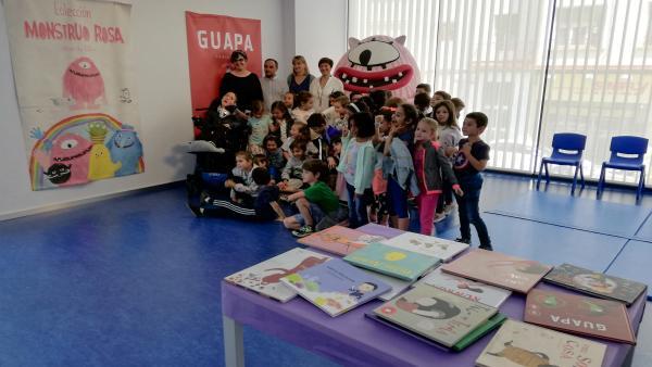 La muestra 'Imaginando cuentos' hace en la Biblioteca Rafael Azcona un recorrido por la ilustración infantil