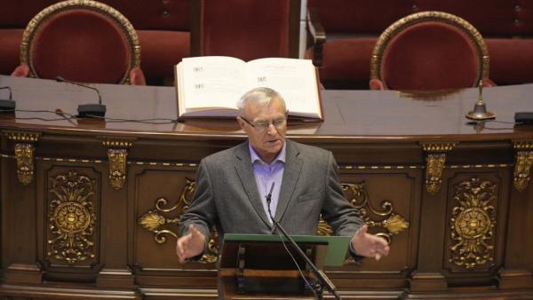 Ribó en la lectura de la Constitución en el Ayuntamiento de València