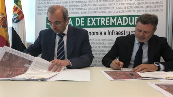La carretera Badajoz-Cáceres será la N-523 desde este sábado tras ceder la Junta su titularidad a Fomento