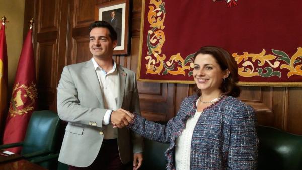 Emma Buj (PP) continuará al frente de la Alcaldía de Teruel y Fuertes (Cs) será el primer teniente de alcalde
