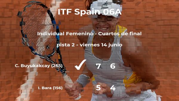 La tenista Cagla Buyukakcay vence en los cuartos de final del torneo de Barcelona