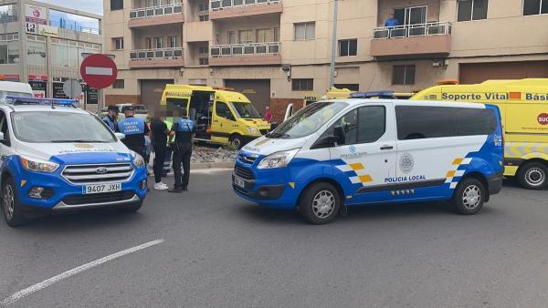 Sucesos.- Fallece una motorista al chocar contra un coche en Santa Cruz de Tenerife