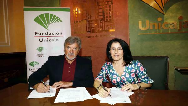 Málaga.- Unicaja.- La Fundación Unicaja renueva su apoyo al Club Balonmano Los Dólmenes de Antequera