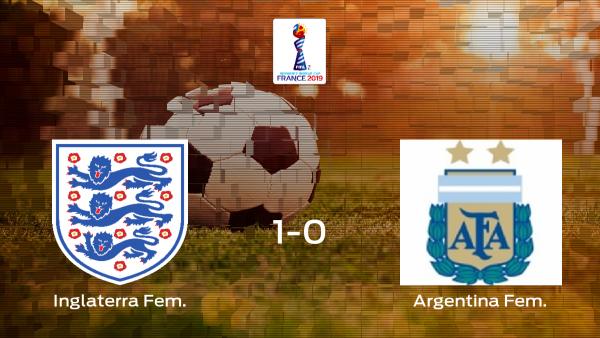 Inglaterra vence a Argentina por 1-0