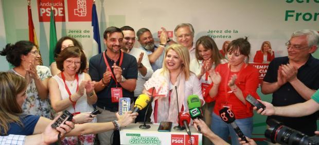 Cádiz.-26M.- Mamen Sánchez (PSOE) es investida alcaldesa de Jerez como la lista más votada