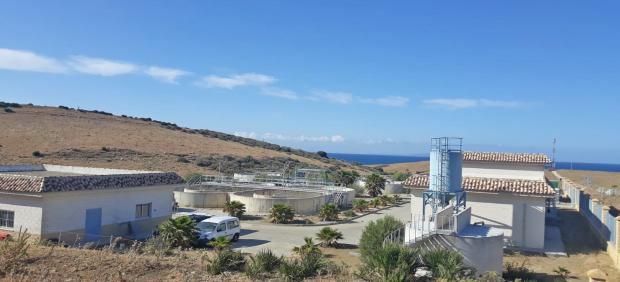 Cádiz.- Los vecinos de Bolonia podrán conectarse al sistema de saneamiento de la nueva EDAR a partir de este lunes