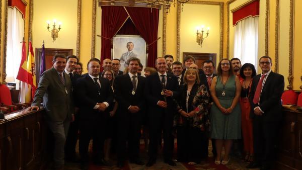 Alberto Rojo (PSOE) es investido como alcalde en Guadalajara con el apoyo de Cs y la abstención de Unidas Podemos