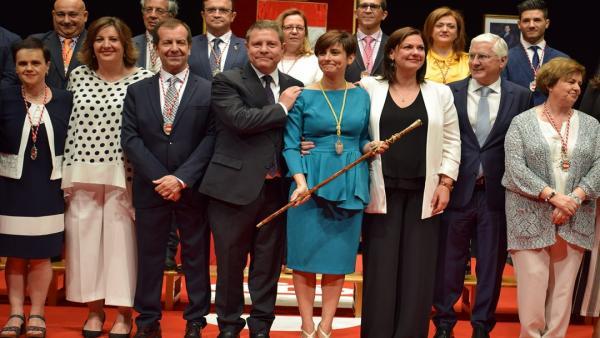 Isabel Rodríguez, proclamada alcaldesa de Puertollano, propone una *gran alianza* social y pide a Page *atención priorit