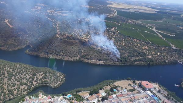 Córdoba.- Sucesos.- Declarado un incendio forestal en Hornachuelos