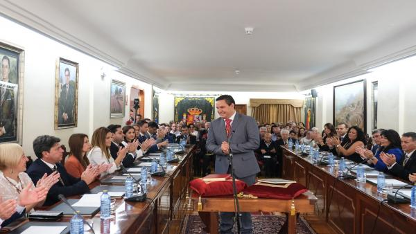 José Julián Mena (PSOE) revalida la alcaldía de Arona (Tenerife) y tiende la mano al diálogo